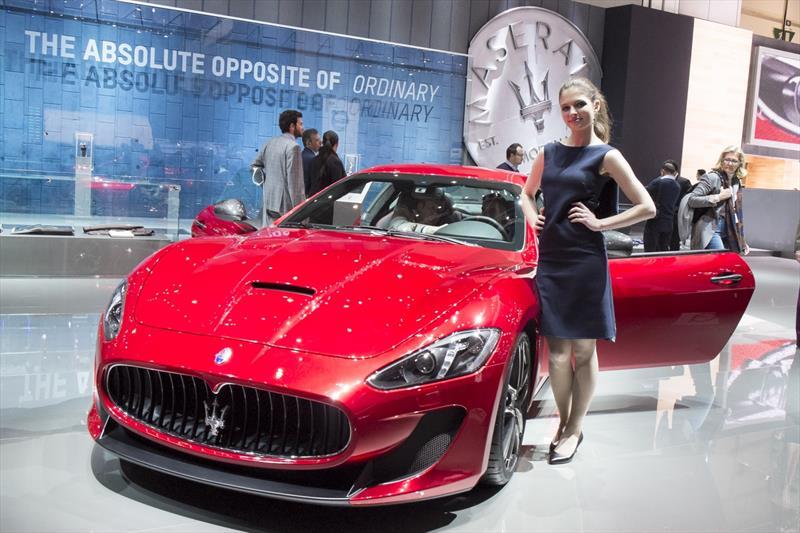 Las chicas del Auto Show de Ginebra 2015