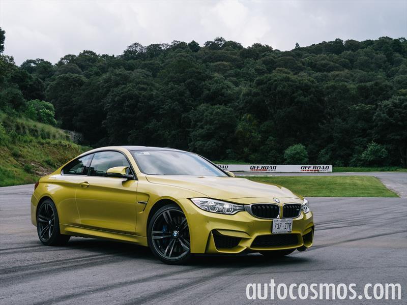 BMW M4 coupé 2015