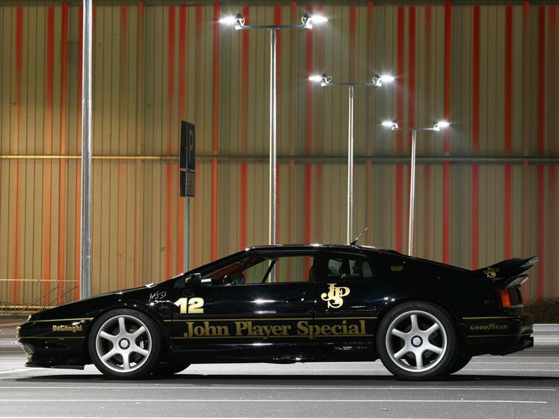 Lotus Esprit JPS, homenaje a Senna