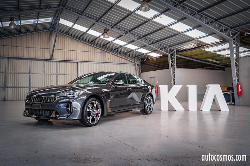 Kia Stinger 2018 - Lanzamiento en Chile