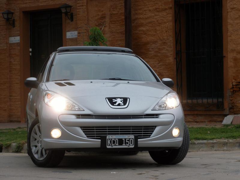 Peugeot 207 Compact HDi a prueba