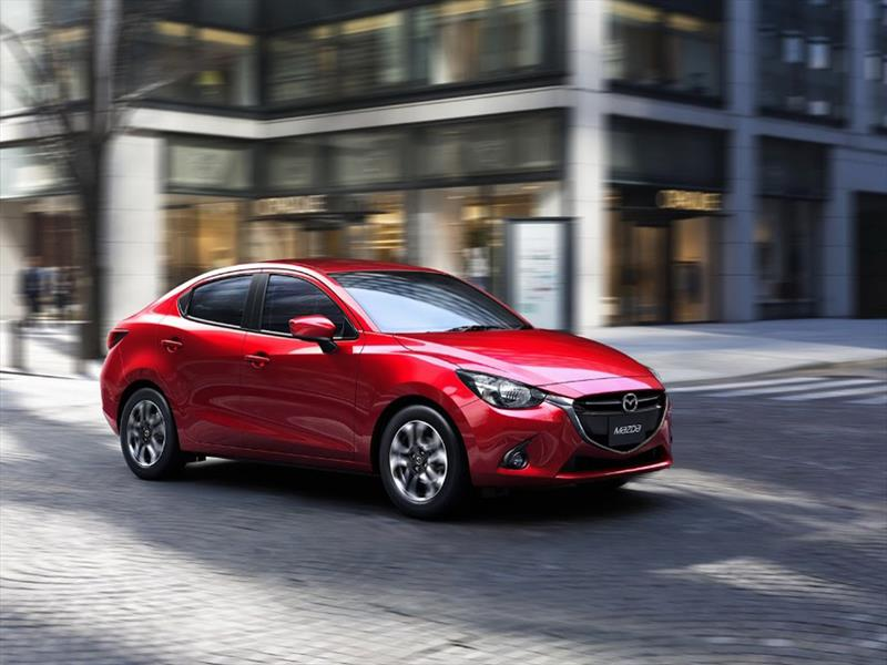 Mazda2 sedán 2016