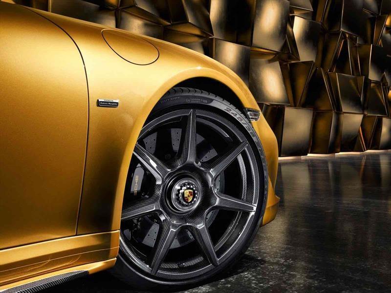 Porsche 911 obtiene rines de fibra de carbono