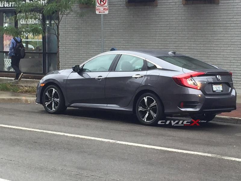 Honda Civic 2017 espiado