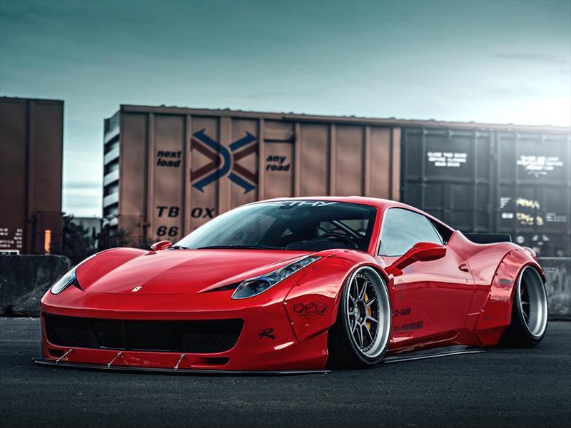 Ferrari 458 Italia por Liberty Walk con rines PUR