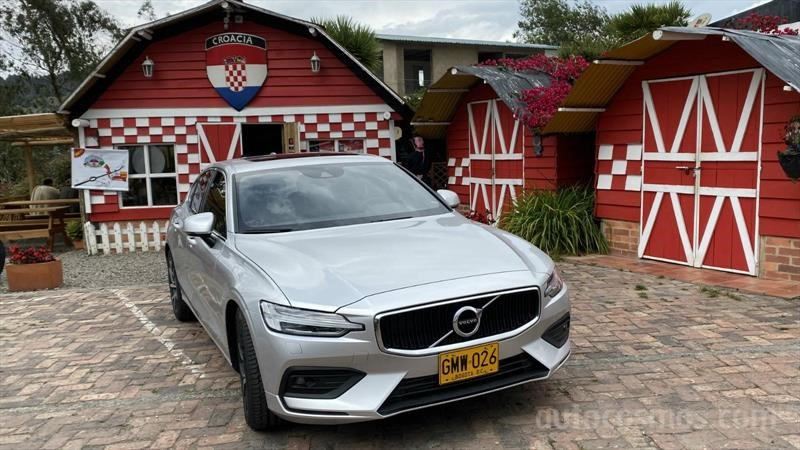 Test drive Volvo S60 2020