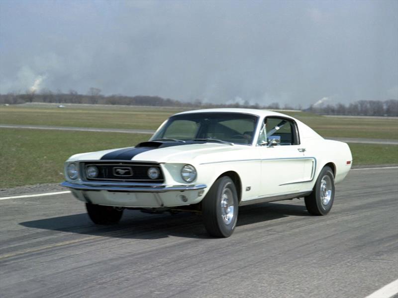 Mustang 50 años: 1968 llega el V8 302