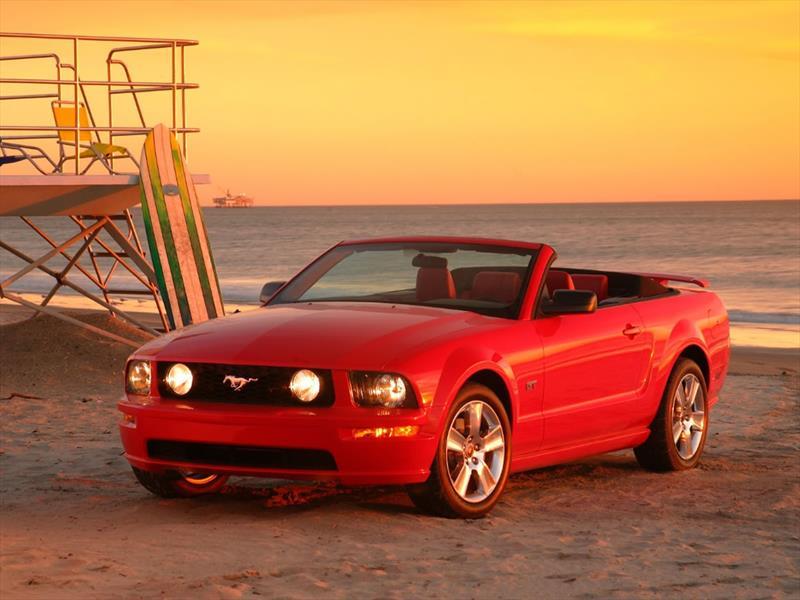 Mustang 50 años: 2005 Regresan de los Muscle Cars