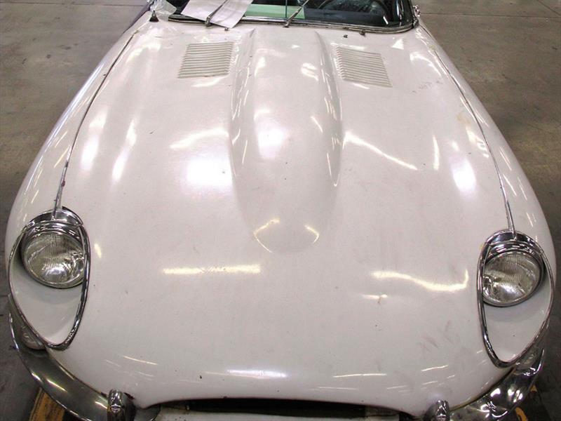 Jaguar XKE Convertible aparece después de 46 años