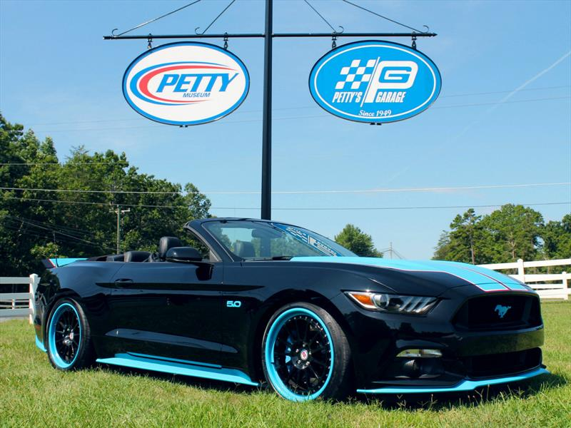 Petty's Garage Mustang GT King Edition 2016