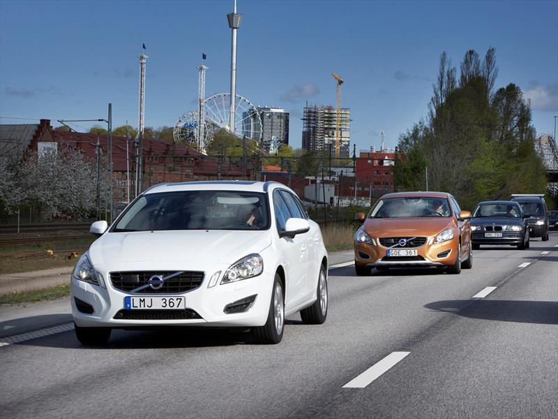 Volvo probará 100 vehículos autónomos
