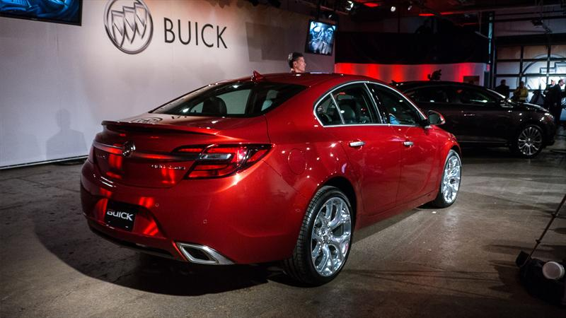 Top 10: Buick Regal 2014
