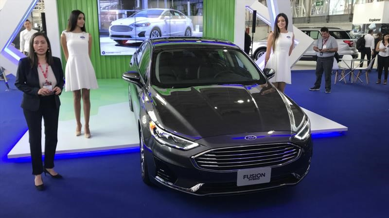 Ford Fusion Hybrid 2020