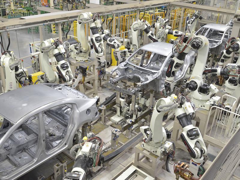 Mazda inaugura su planta en México