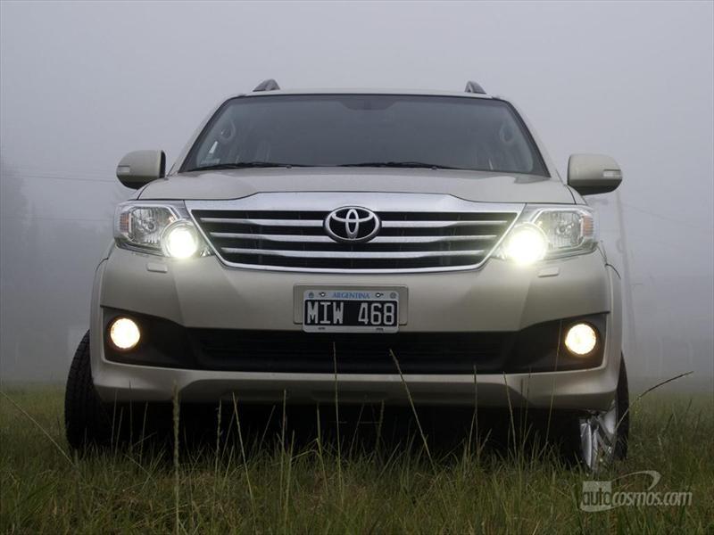 Prueba Toyota SW4 Nafta