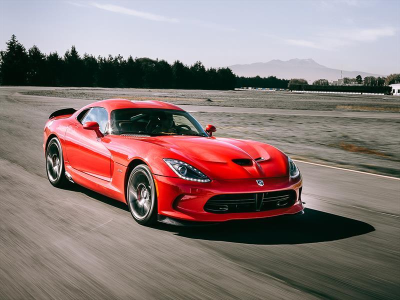 SRT Viper GTS en pista