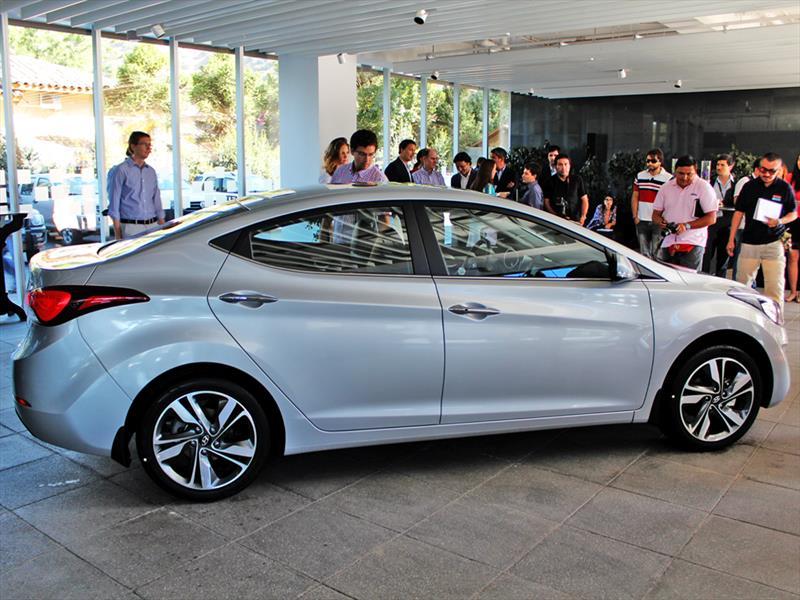 Hyundai New Elantra 2014. Lanzamiento en Chile