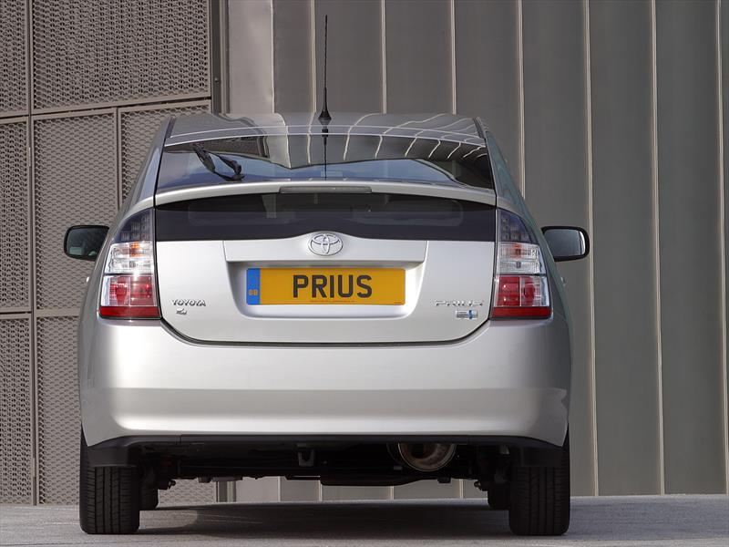 Historia: Toyota Prius