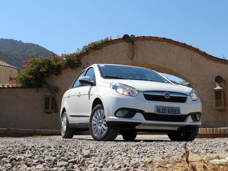 Nuevo FIAT Grand Siena en las rutas de Chile