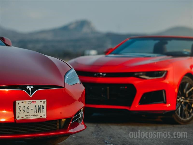 Tesla Model S P100D VS Chevrolet Camaro ZL1 Conv
