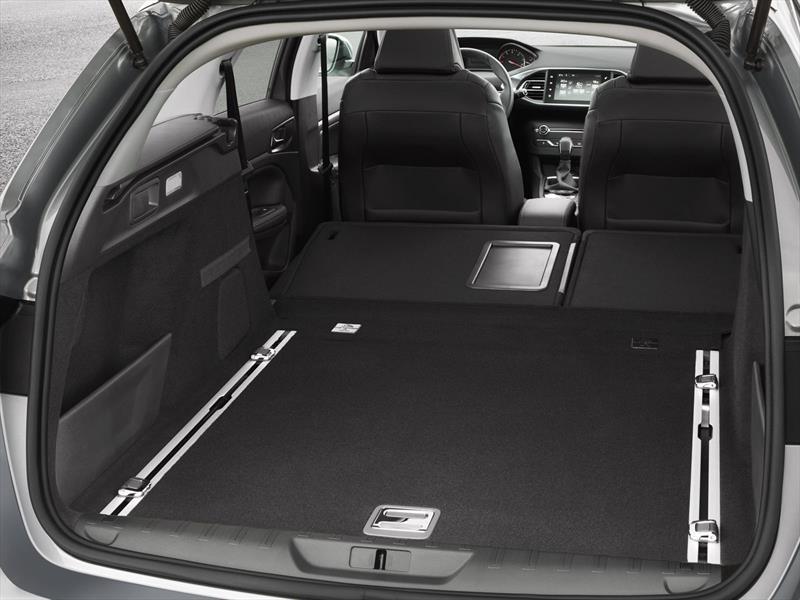 Peugeot 308 SW, la familia crece en Ginebra