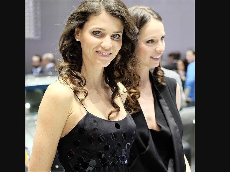 Las chicas del Salón de Ginebra 2014