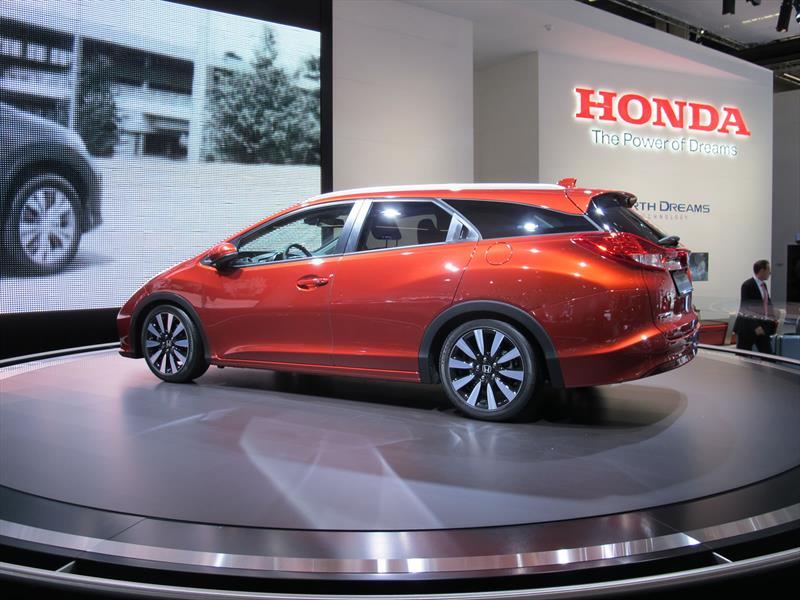 Honda Civic Tourer 2014 se presenta