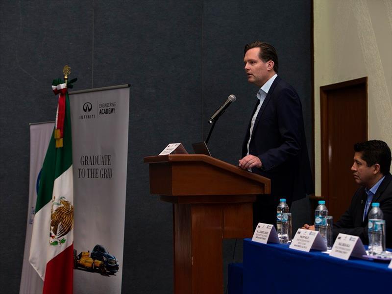 Infiniti Engineering Academy en México