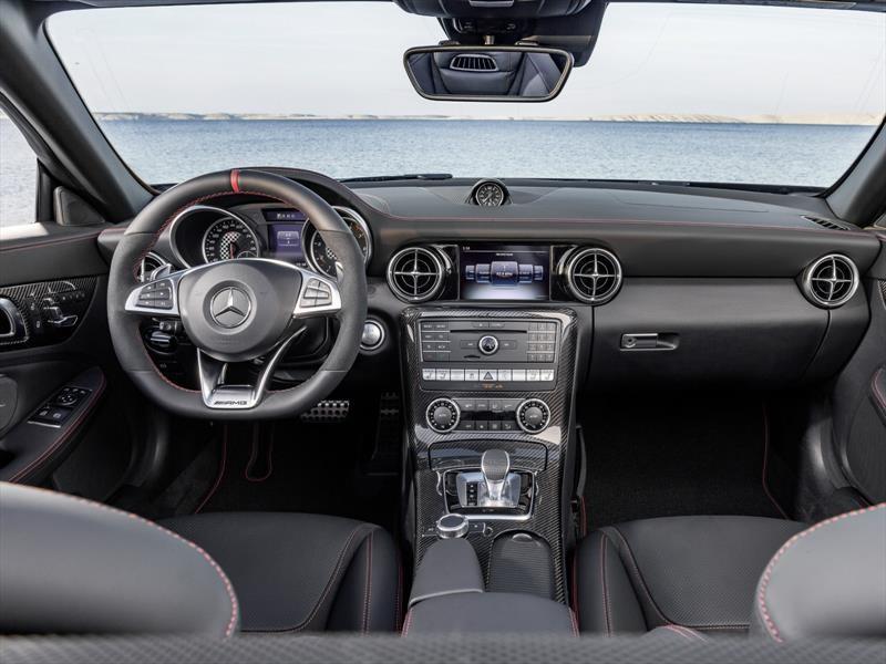 Mercedes-Benz AMG SLC 43