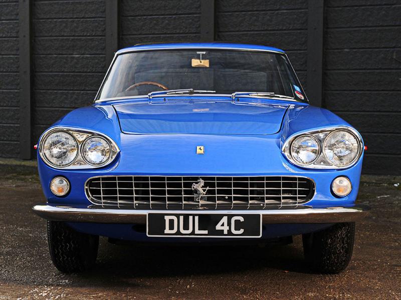 Ferrari 330GT 2+2 de John Lennon