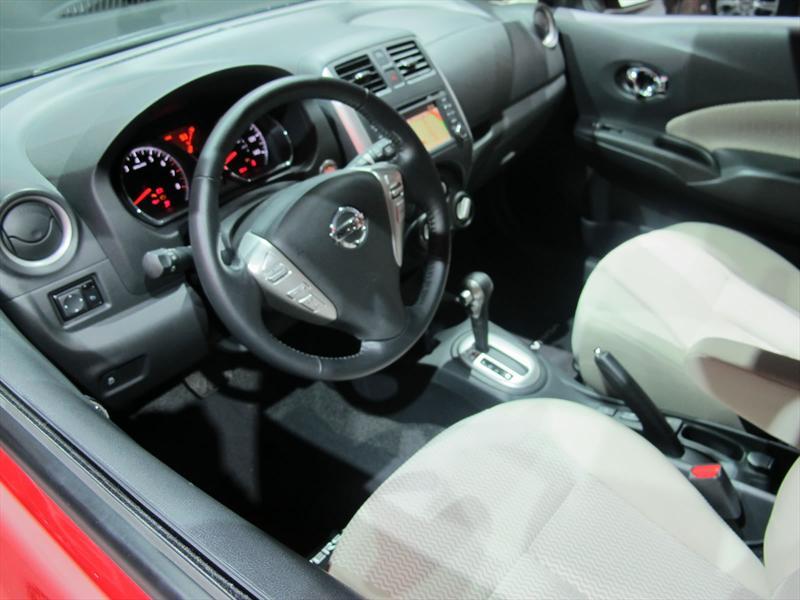 Nissan Note Versa 2014 en vivo