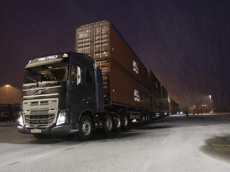Un camión Volvo logró arrastrar 750 toneladas