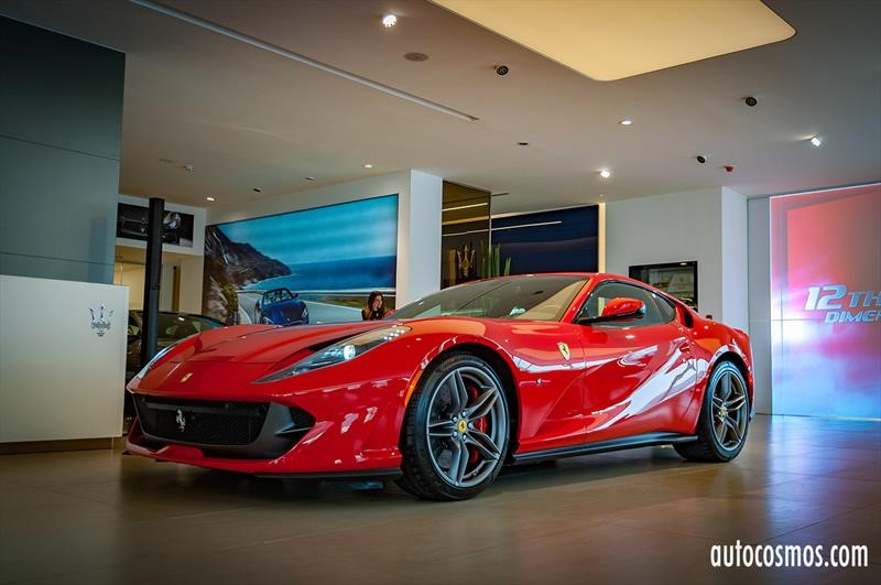 Ferrari 812 Superfast en Chile