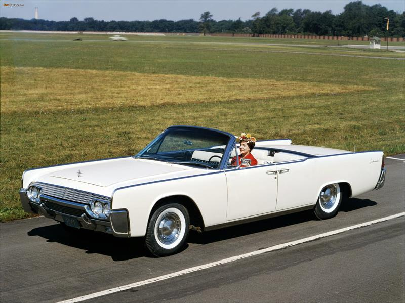 Lincoln Continental Convertible 1961