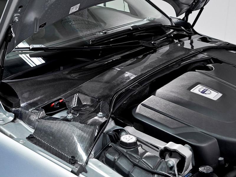 Nanobaterías en la carrocería de un Volvo S80