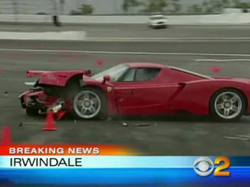 Top 10: Entrenando impacta un Ferrari Enzo