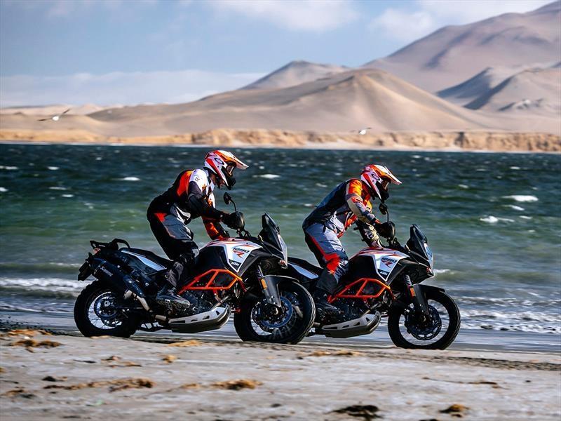 KTM 1290 Super Adventure y 1090 R Adventure 2017