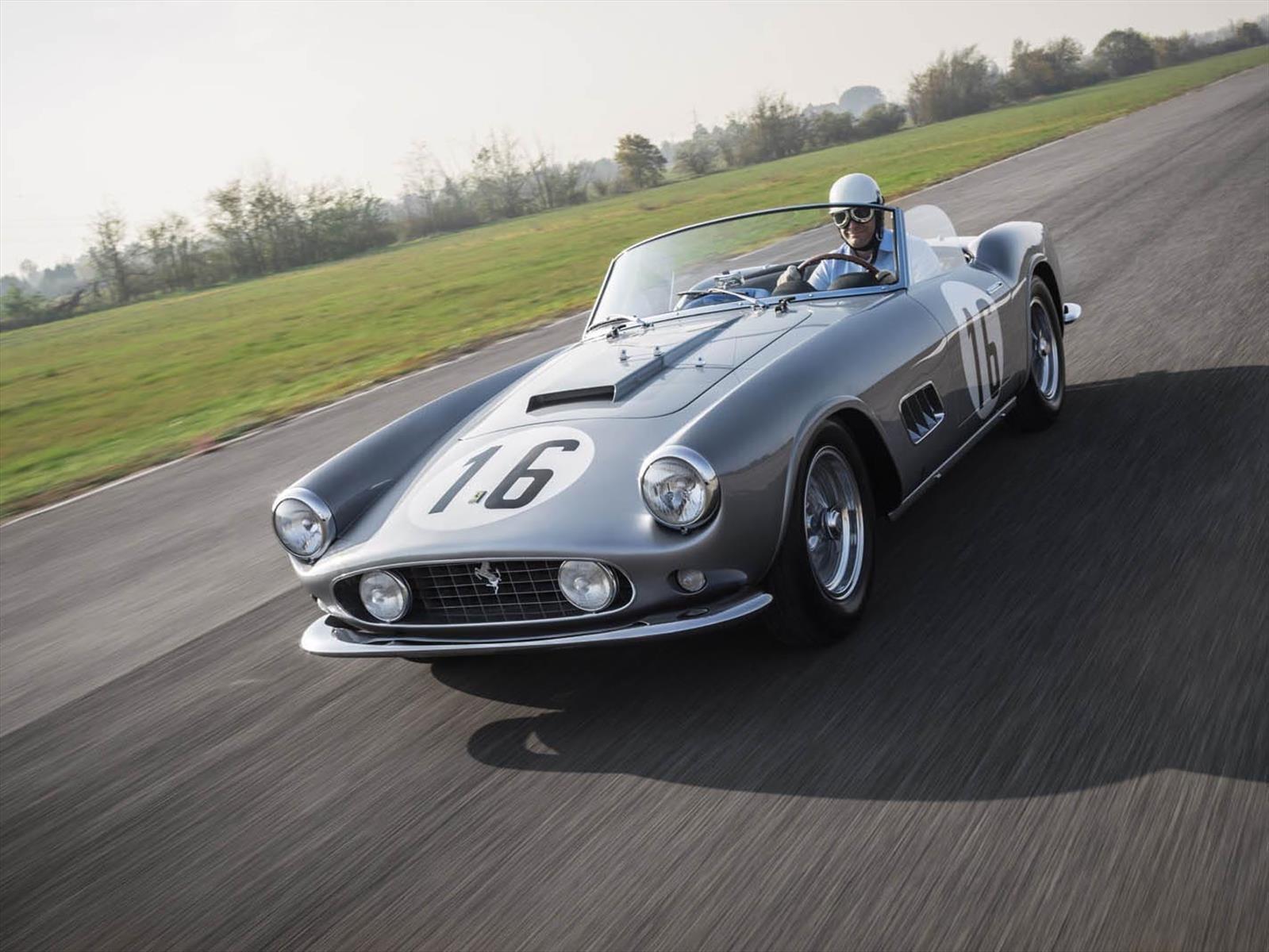 Este Ferrari 250 GT LWB California Spider 1959 fue subastado en una fortuna
