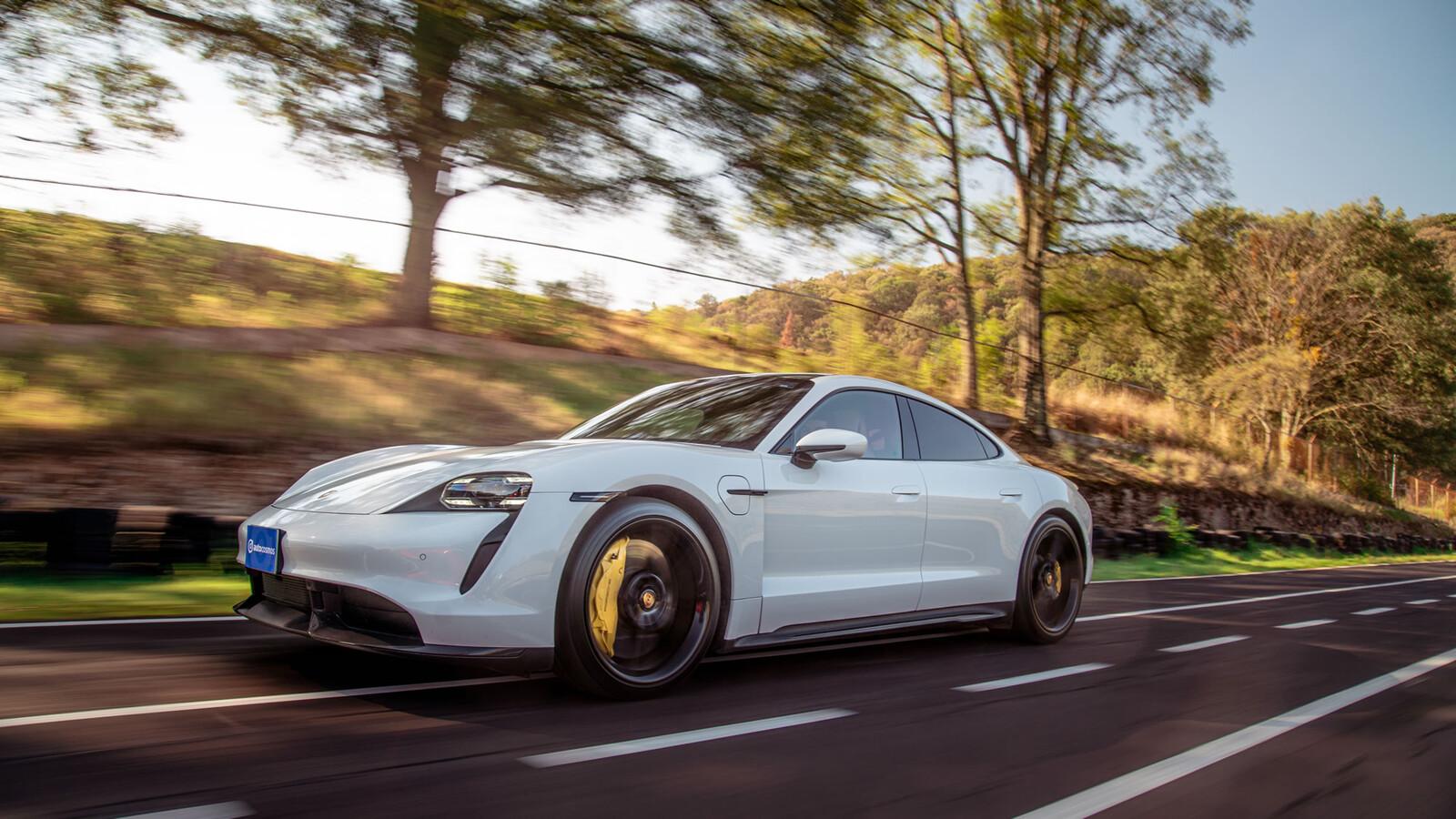 Manejamos el Porsche Taycan