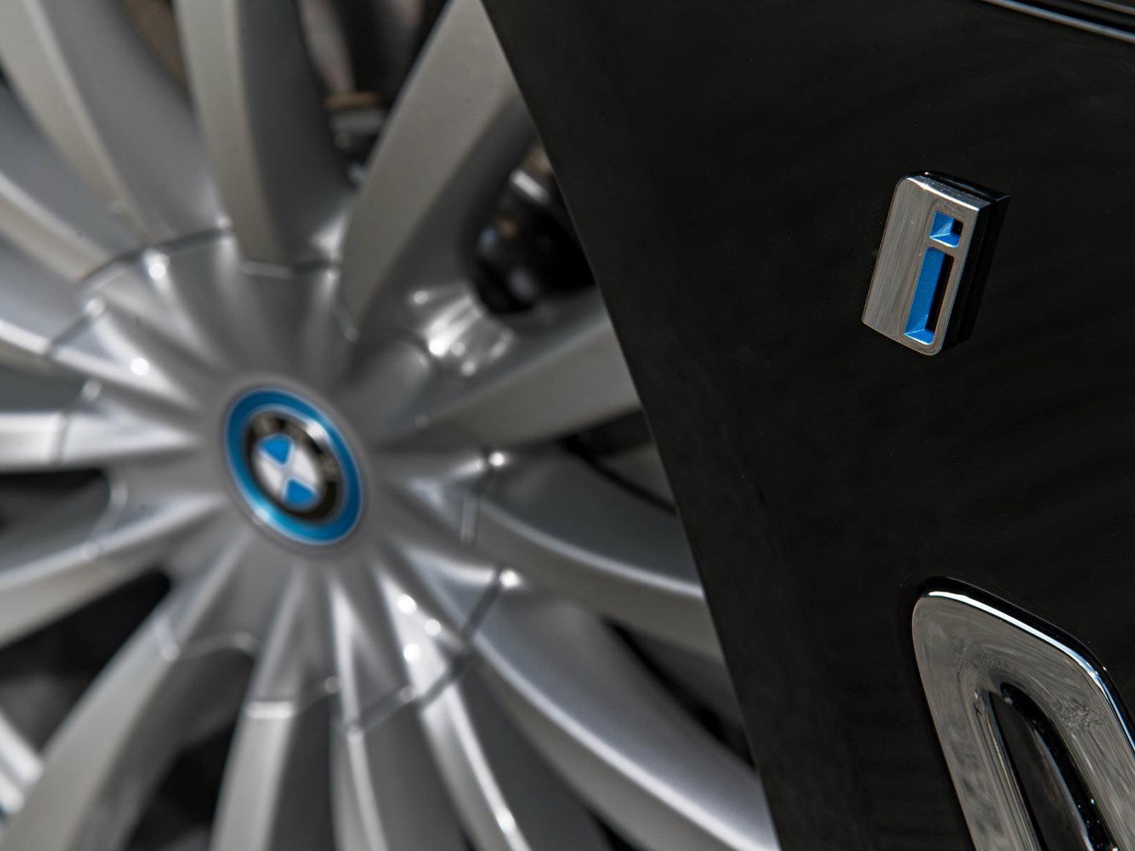BMW Group logra ventas récord de vehículos eléctricos e híbridos