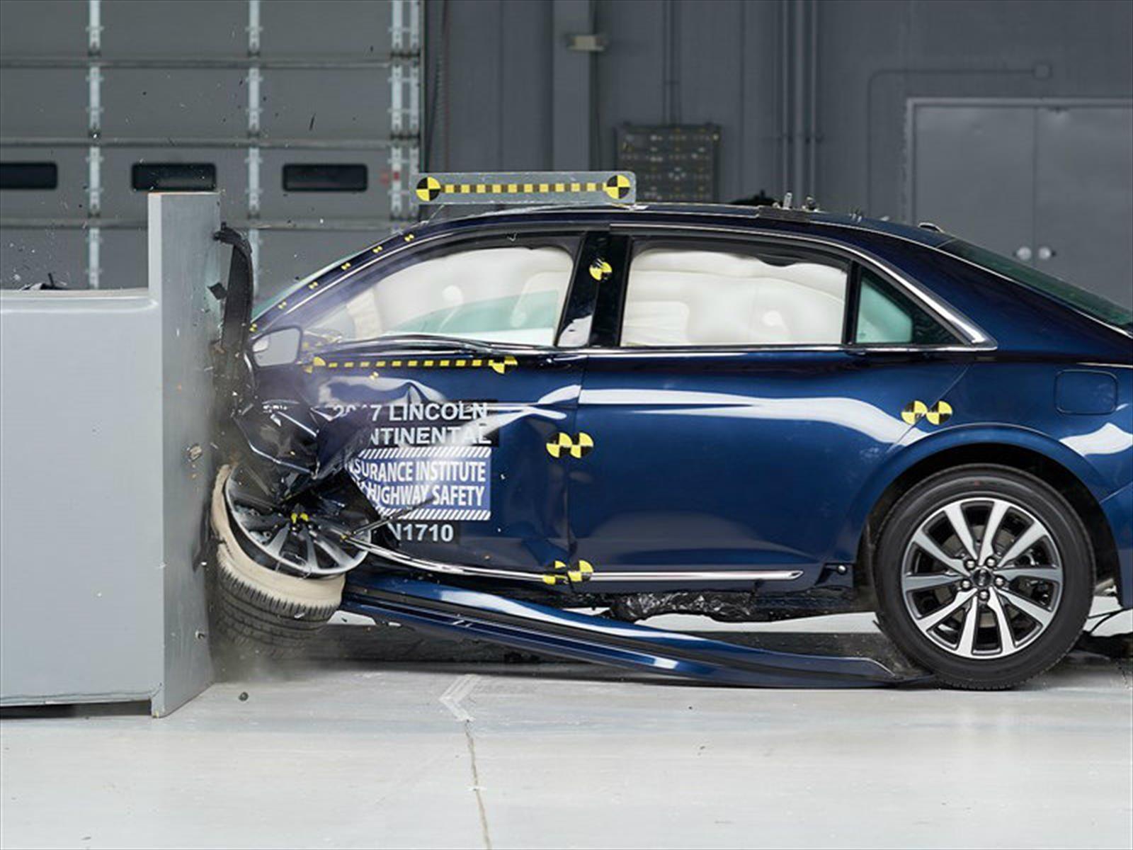 Lincoln Continental 2018 obtiene el Top Safety Pick + del IIHS