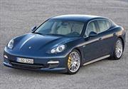 Pirelli equipa al Porsche Panamera
