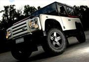 Land Rover Defender por Aznom y Romeo Ferraris