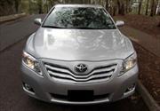 Aceleración involuntaria de autos Toyota aun después del llamado a revisión
