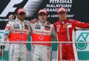 McLaren gana con un gran doblete en Malasia