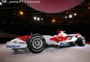 Toyota presenta un renovado TF107 en Barcelona
