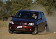 Test Renault Logan 1.6L 16V:  Espacioso y rendidor
