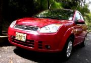 Ford Fiesta Sedán Automático