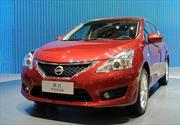 Nissan Tiida 2012: Primeras imágenes en vivo