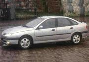 Renault Laguna RXE: Un auto que habla